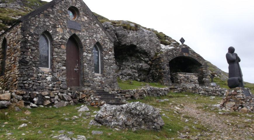 St Patrick admiring Le Lac du Connemara-2
