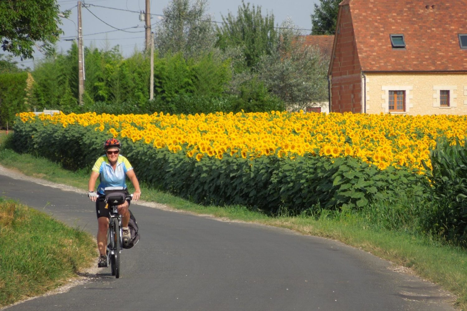 France self-guided cycling tour through the best of Dordogne