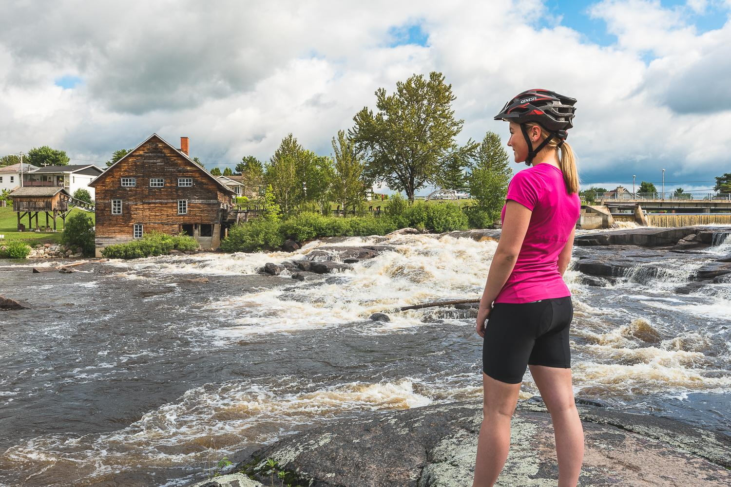 Bike tour through Quebec's blueberry route