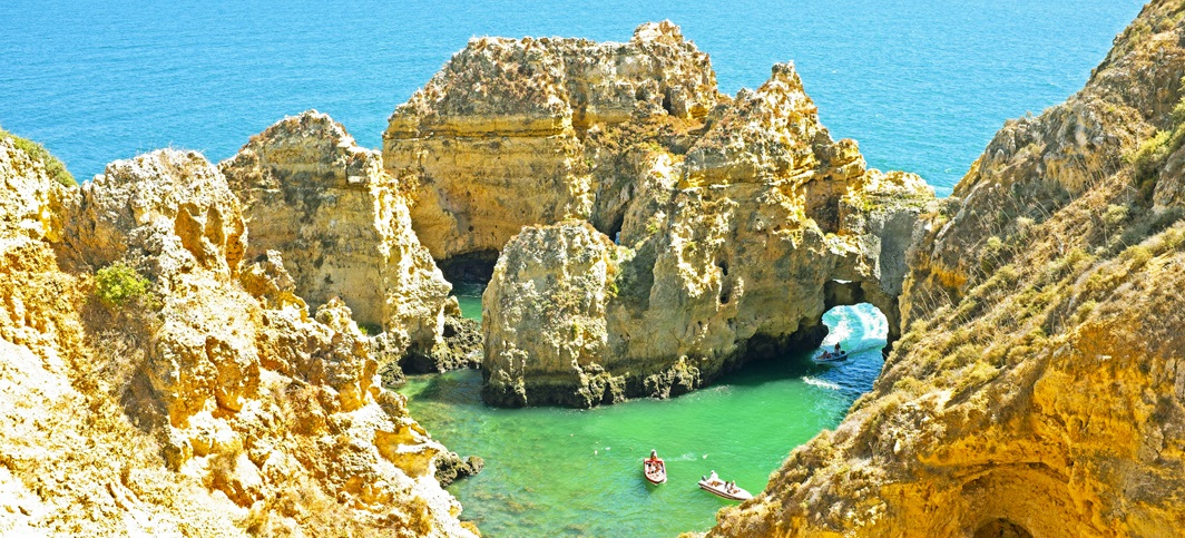 his self guided adventure tour in southern Portugal is perfect for family travel!