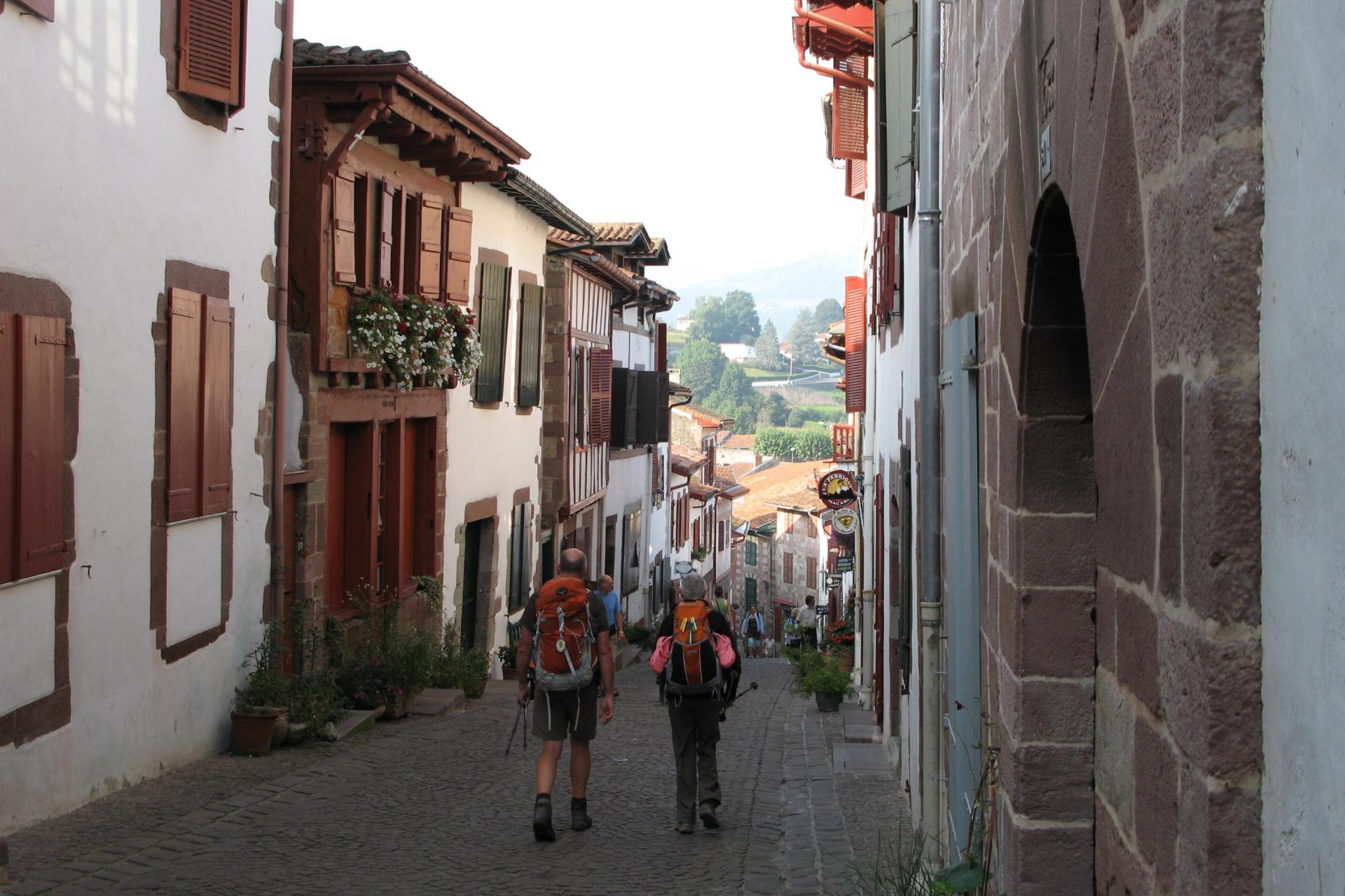 Self-guided hiking of El Camino de Santiago de Compostela, Spain: STAGE 1 Saint-Jean-Pied-De-Port