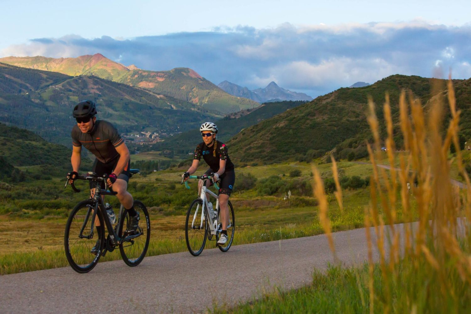 Guided cycling tour of Colorado's mountain passes: Vail to Aspen Snowmass